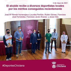 foto recepción deportistas por el alcalde