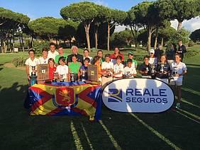 Foto de grupo de todos los ganadores.