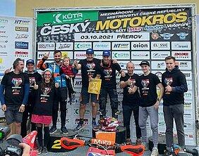 foto butrón en podium checo
